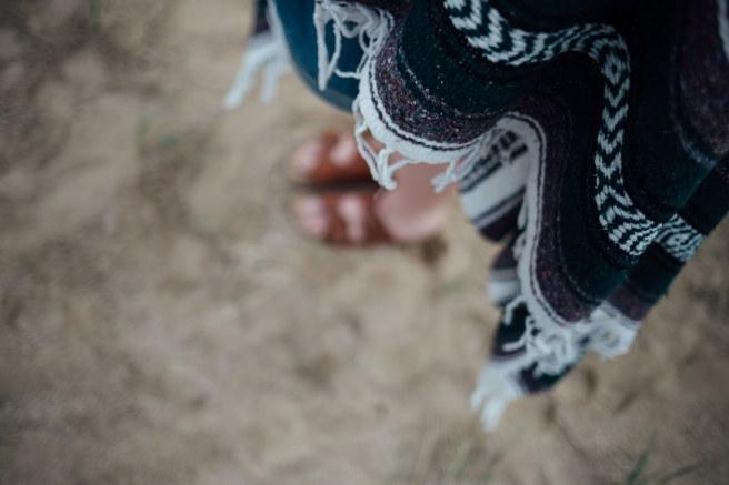 poncho-feet